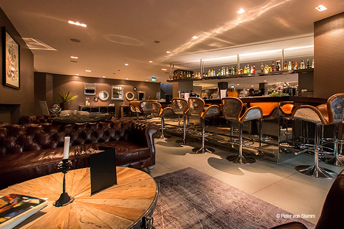 Die Bar im Hotel Wyndham