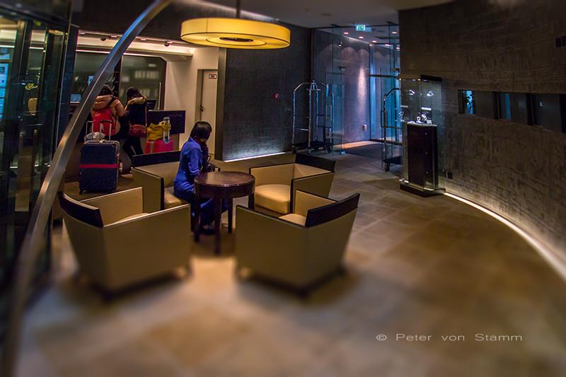 Die Lobby im QF Hotel Dresden