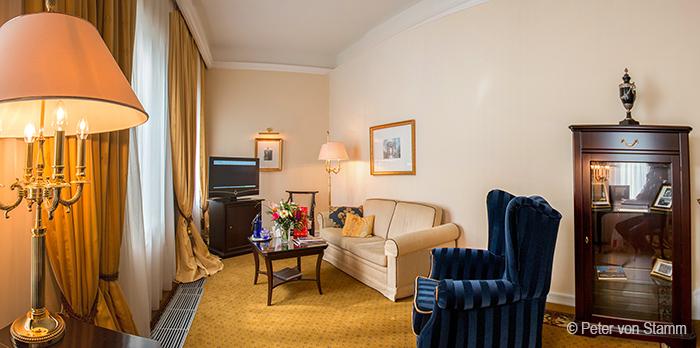 Wohnzimmer meiner Suite im Hotel Suitess Dresden