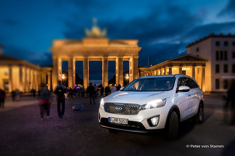 Kia Sorento am Brandenburger Tor in Berlin