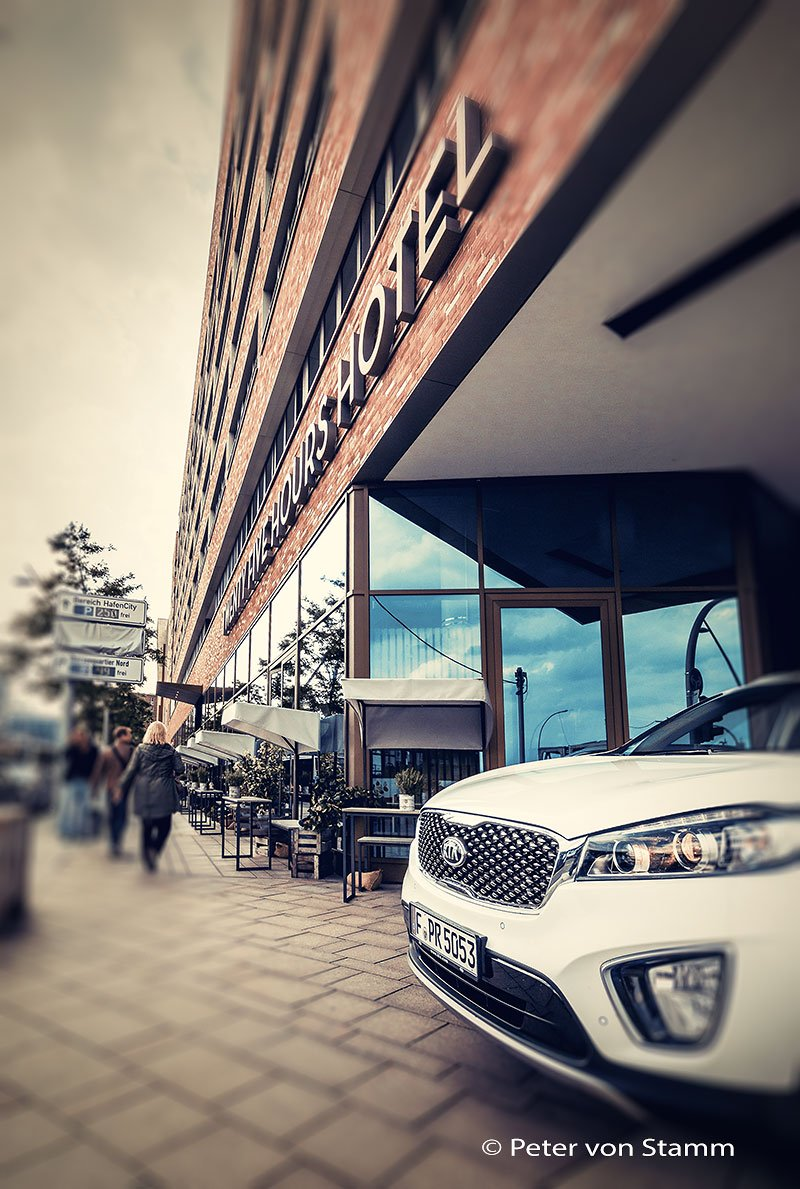 Kia Sorento und 25hours Hotel Hafencity