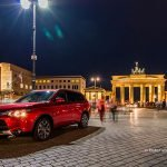 Mitsubishi Outlander vor Brandenburger Tor in Berlin