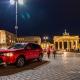 Mitsubishi Outlander vor Brandenburger Tor in Berlin