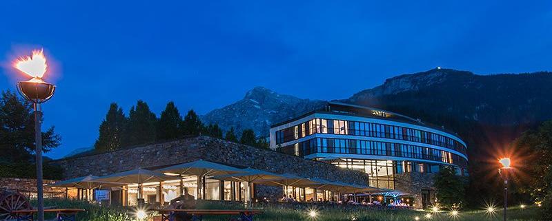 Kempinski Hotel Berchtesgaden abends