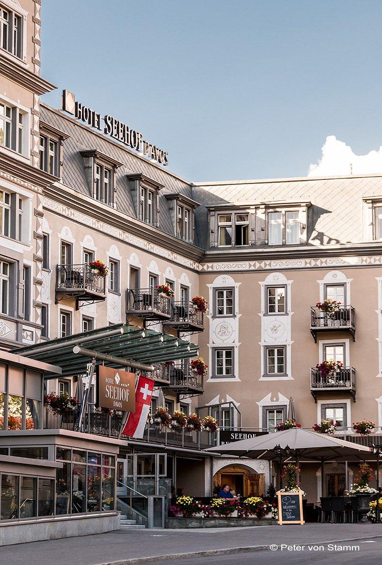 Das Hotel Seehof in Davos aussen