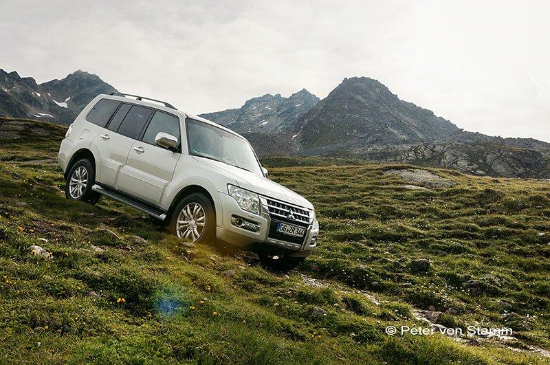 Mit dem Mitsubishi Pajero in Graubünden , Schweiz