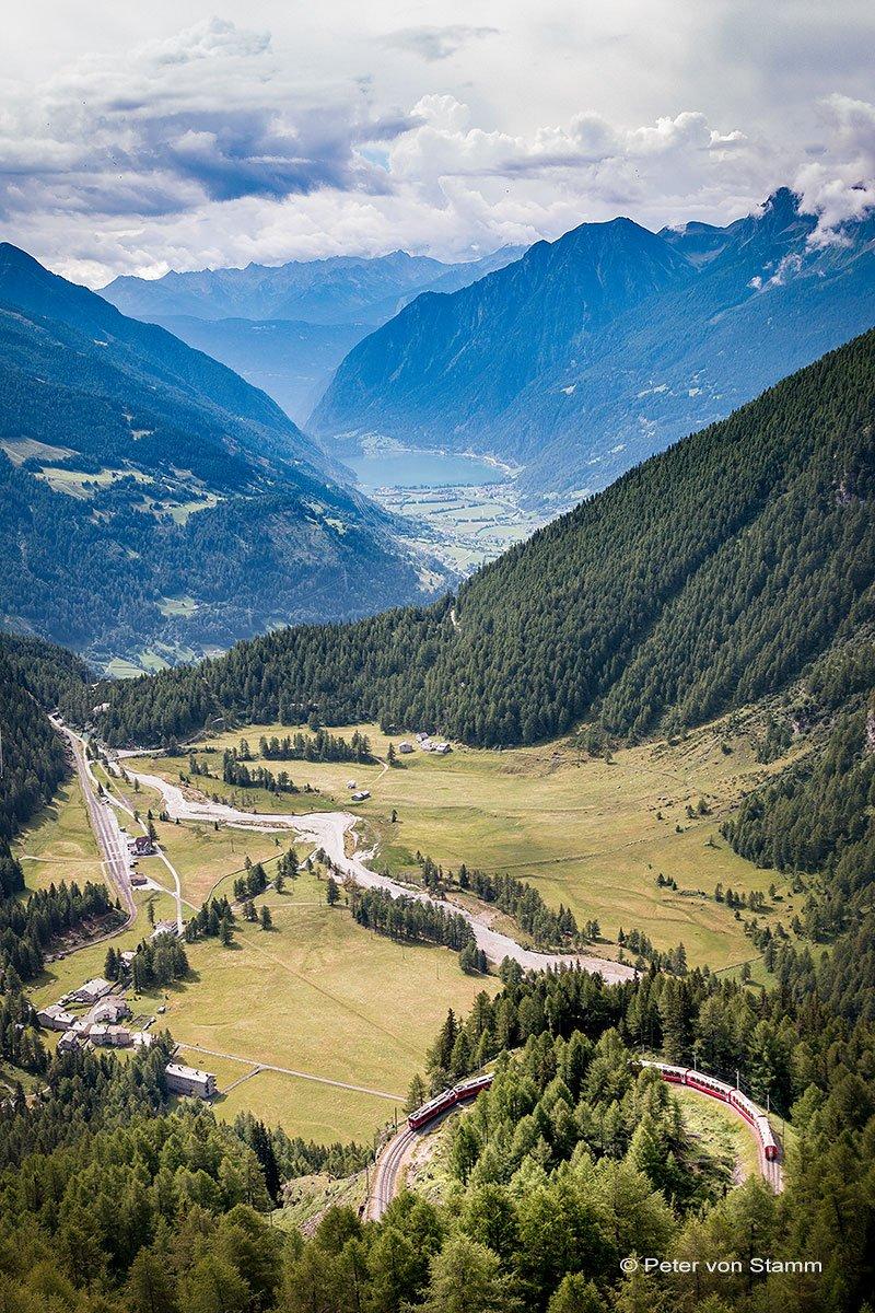 Blick von Alp Grüm ins Val Poschiavo