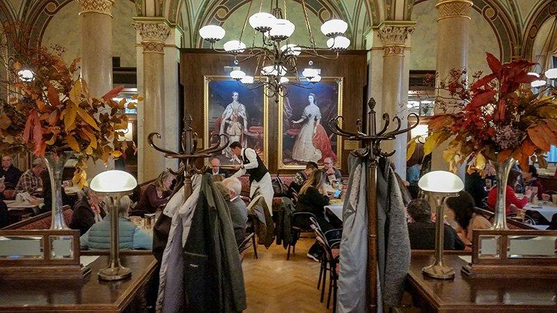 Das Cafe Central in Wien