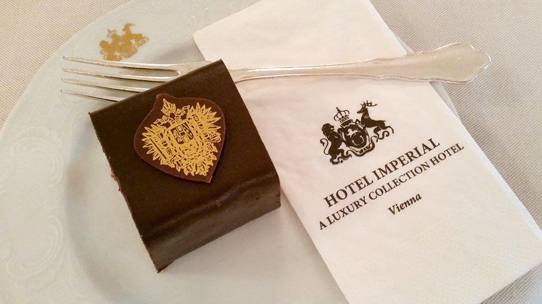 Torte im Cafe Imperial in Wien