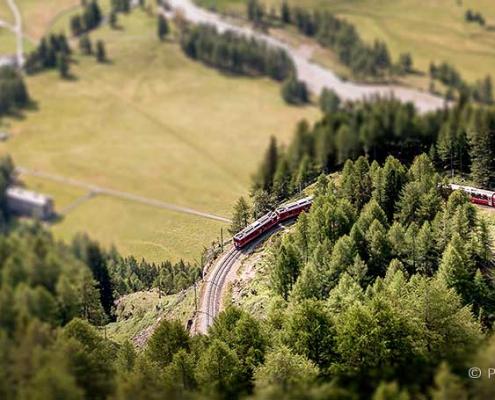 Bernina Express bei Alp Grüm
