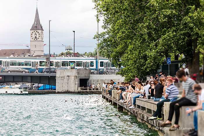 Quaianlagen in der Nähe des Hotel Park Hyatt Zürich
