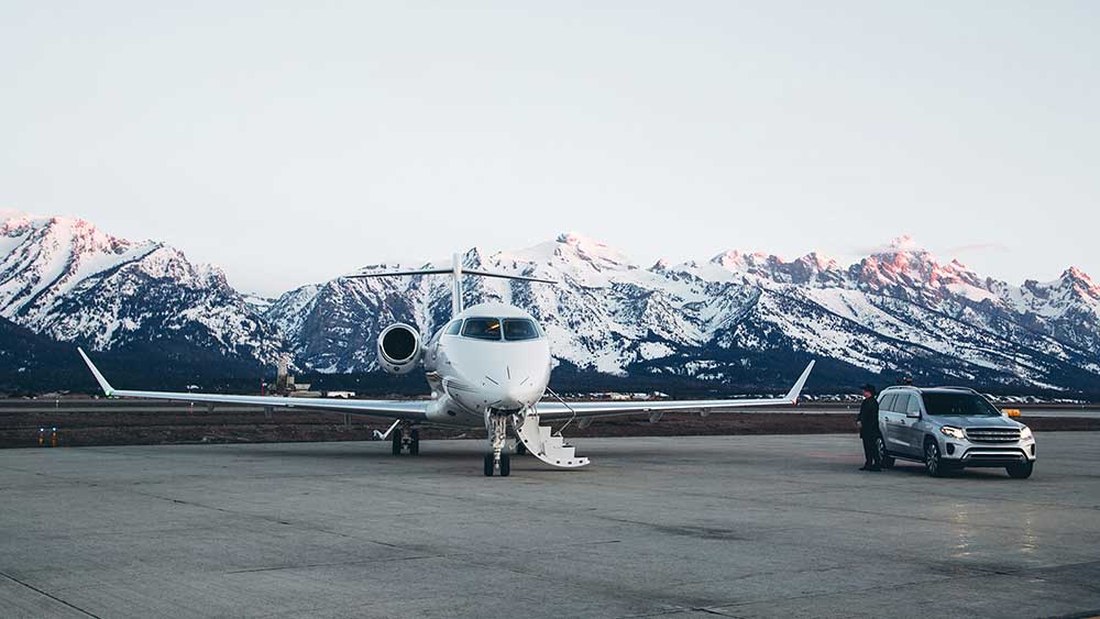 Four Seasons and NetJets Offer Luxury in the Sky