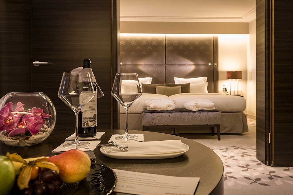 sleep very well the pullman hotel munich peter von stamm. Black Bedroom Furniture Sets. Home Design Ideas