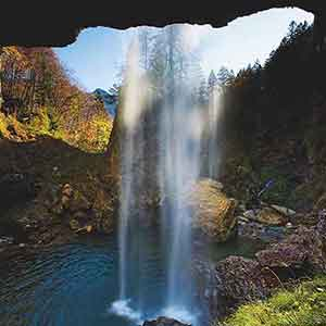 Reisetipp Schweiz: 8 Wasserfälle, die für Erfrischung sorgen