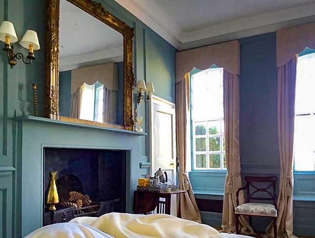 Eggington House guestroom