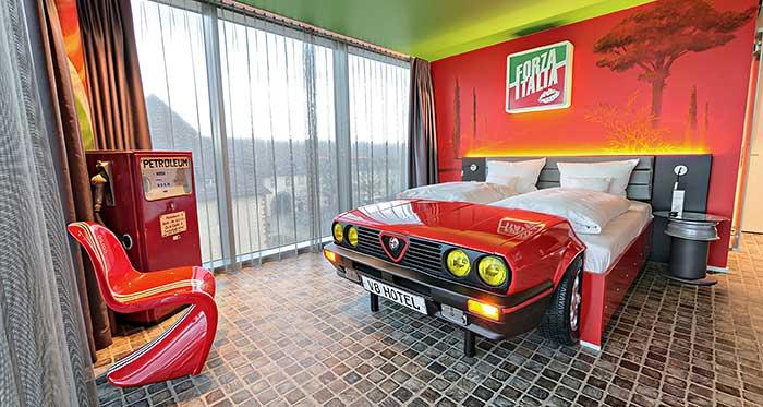 Themanzimmer Italia im V8 Hotel Böblingen