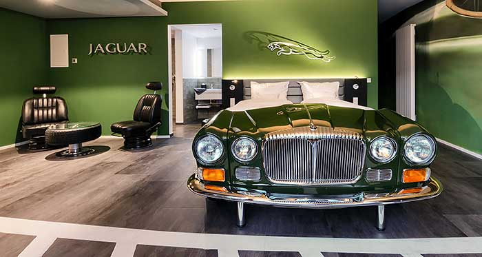 Auto Themenzimmer im V8 Hotel